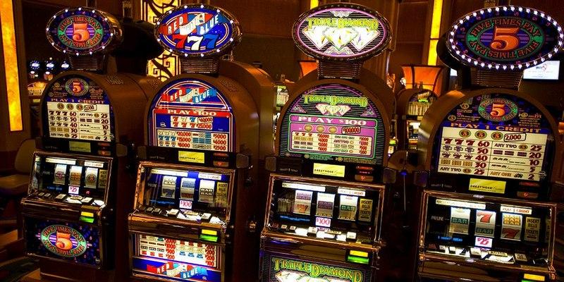 Игровые автоматы представлены огромным разнообразием простых сложных слотов барабанами си онлайн слоты статьи